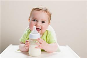 宝宝秋季喝奶也会过敏?