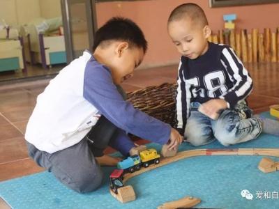 孩子玩完玩具,总不愿意收拾?